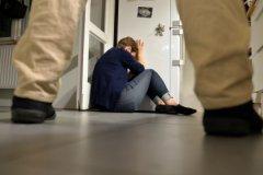 Если раньше мужу, избивающему свою жену, мог грозить длительный тюремный срок, то теперь это может быть штраф, общественные работы или арест не более 15 суток