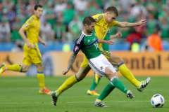 Проиграв Северной Ирландии (0:2), украинцы первыми на Евро-2016 лишились шансов на выход в плей-офф