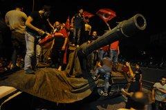 Мятежники во время военного переворота в Турции