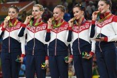 Под бдительным контролем допинг-служб Россия выступила успешнее