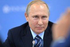 """Владимир Путин видит своего приемника """"молодым, но зрелым"""""""