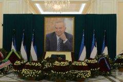 Официально прощаться с Исламом Каримовым начали только 3 сентября