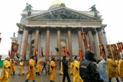 В разгар споров о судьбе Исаакиевского собора, 5 февраля, в Питере был передан РПЦ один из объектов этого пока еще музея — Сампсониевский собор