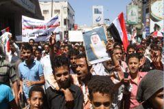 В Йемене продолжаются боевые столкновения между хуситами и правительственными войсками.