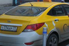 Автомобиль таксиста нашли на Комсомольской площади в Москве