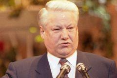 Многие из окружения Бориса Николаевича находили к нему подход через выпивку