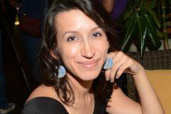 Елена Борщева: У мамы на работе идут задержки поставок косметики из Швеции