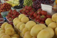 Греция попросила отменить запрет на поставки в РФ персиков, клубники, апельсинов