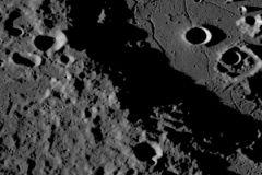 На месте будущей лунной базы обнаружили замёрзшую воду