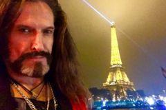 Никита Джигурда написал стихи о терактах в Париже