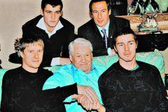 Фотография со встречи Бориса Ельцина с теннисистами на его даче в Раздорах