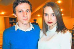 Яна Енжаева со своим парнем Виктором Грудевым
