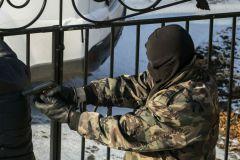 Неизвестные забрали сумку с 444 тысячами рублей у женщины-почтальона