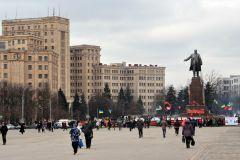 14 человек пострадали при взрыве у здания суда в Харькове