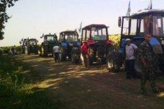 Кубанских фермеров, которые с конца лета устраивают «тракторные марши», пригласили на круглый стол в Минсельхоз