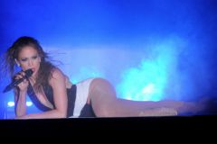 Джей Ло постеснялась своей сексуальности в клипе Booty