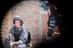 В ходе задержания пострадали двое человек, в том числе сотрудник милиции