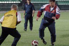 Рамзан Кадыров играет в футбол