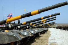 В Нагорном Карабахе снова разгорелся конфликт с применением оружия