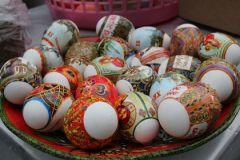 Вариантов окрашивания яиц сейчас очень много, на любой вкус и цвет