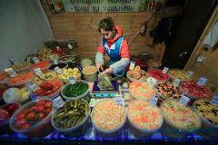 По мнению единоросса Игоря Руденского, помочь производителям можно также, сократив их расходы на ГСМ и позволив фермерам торговать где угодно