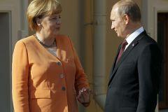 Президент РФ Владимир Путин и канцлер ФРГ Ангела Меркель встретились в Кремле 10 мая