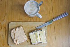 Молочные продукты снижают риск переломов и остеопороза при физических нагрузках