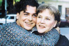 Юлиан жил с великой актрисой целый год