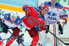 Вице-капитан ХК «Лада», чемпион мира-2008 в составе сборной России Дмитрий Воробьев