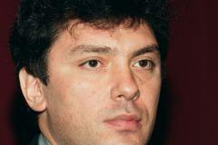 Импровизированный мемориал на месте убийства политика Бориса Немцова