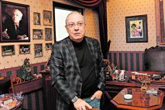 В кабинете Юрия Никулина все осталось, как при жизни великого артиста