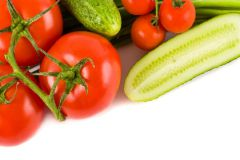 Огурцы и помидоры