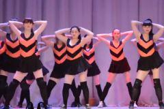 Кадр из видео со скандальным танцем оренбургских школьниц