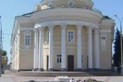 Место установки памятника Ивану Грозному – Орловский государственный театр для детей и молодёжи «Свободное пространство»