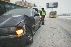 Водитель Honda CRV и пассажир получили травмы