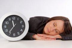 Сон на животе может иметь эротическое содержание, а любителям твердого сыра чаще снятся ностальгические сны
