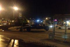 Эвакуатор стоял всего в метре от пешеходного перехода