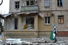 Бои в Дебальцево продолжаются из-за позиции руководителей ДНР и ЛНР, уверен эксперт