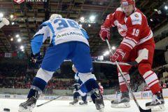 Настойчивость Игоря Радулова (справа) не помогла его команде