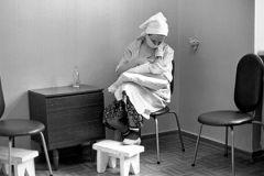 Женщина, родившая в троллейбусе в Новосибирске, отказалась от ребёнка