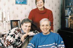 Евгений Стеблов с сыном Сергеем и первой женой Татьяной