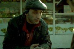 В центре событий сериала «Салам Масква» – конфликт двух полицейских. Один – русский, ярый националист, а другой – лицо кавказской национальности, аварец