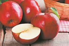 Остерегайтесь яблок слишком красивых, совершенно одинаковых, липких и блестящих
