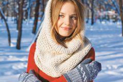 Март часто бывает по-зимнему холодным, поэтому снуд – очень полезная вещица