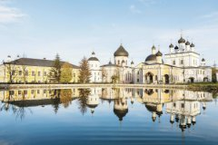 Родился город Чехов в 1954 году, но это не новостройка, а древнейшее торговое село Лопасня