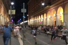 В Ницце люди пытались спастись бегством от террориста на грузовике