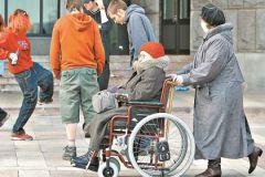 Люди боятся потерять свое здоровье, поэтому агрессивно реагируют на инвалидов, считает психолог