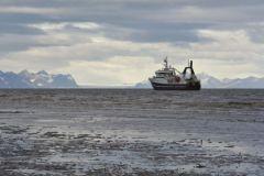 В Южно-Сахалинск были доставлены все выжившие члены экипажа затонувшего траулера