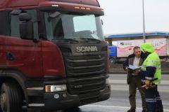 В результате аварии погиб один человек, пассажир грузовика