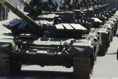 На параде каждый танк ехал на определённом расстоянии
